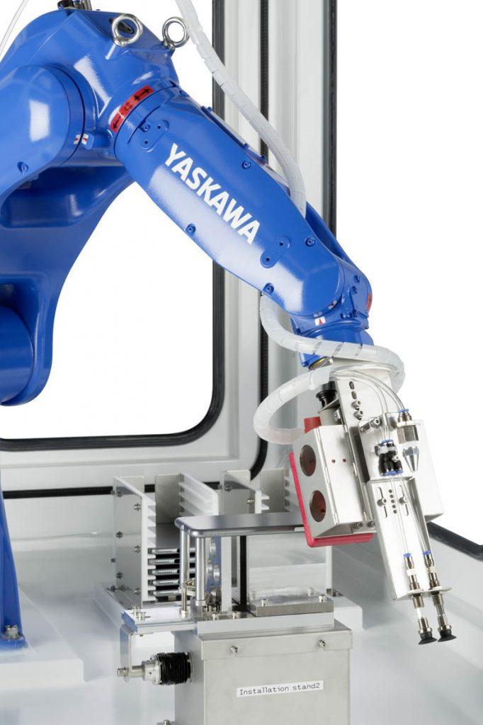 6 eksen makine besleme robotu